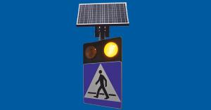 D-6 – oznakowanie aktywne przejścia dla pieszych z czujnikiem obecności pieszego i zasilaniem solarnym